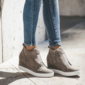 NWB Taupe Faux Suede Zoey Wedge Sneakers 7.5